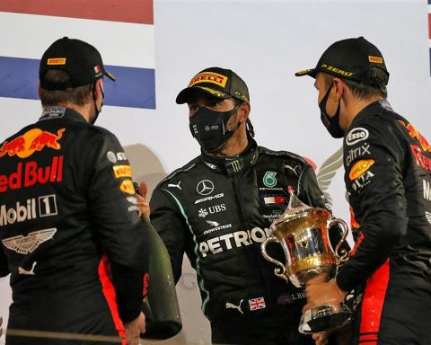Lewis Hamilton and Red Bull drivers Max Verstappen and Alex Albon - Formula1News.co.uk