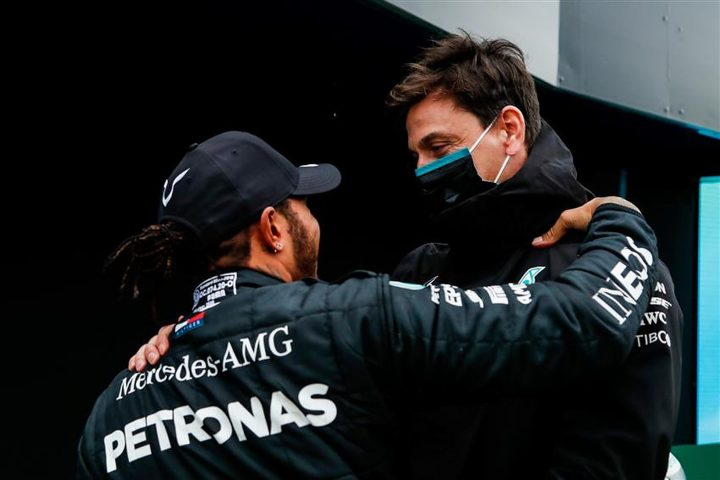Lewis Hamilton and Toto Wolff on 2021 Mercedes contract negotiations - Formula1News.co.uk