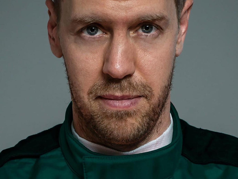 Sebastian Vettel first look at Aston Martin F1 Team 2021 - Formula1news.co.uk