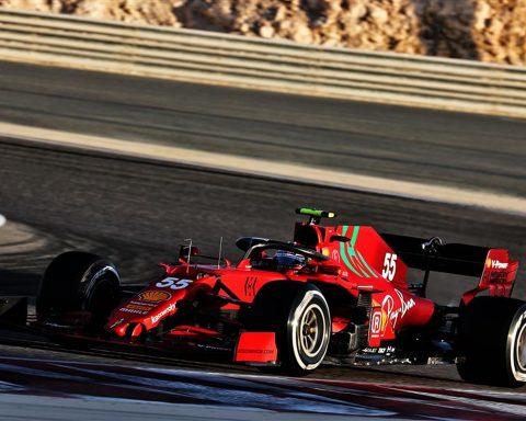 Carlos Sainz and Kimi Raikkonen collide at testing - Formula1news.co.uk