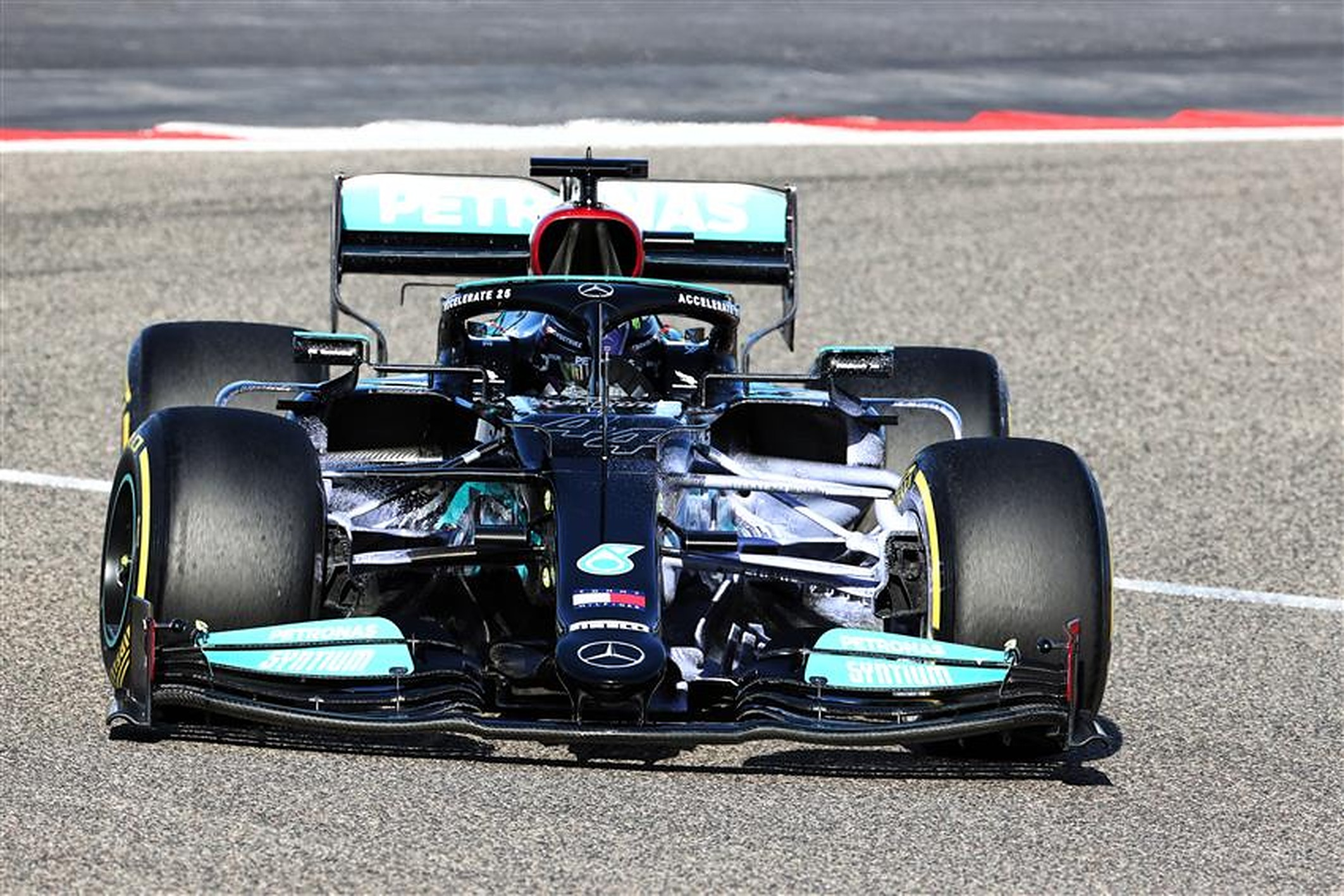 Mercedes W12 at Bahrain pre-season testing in 2021 - Formula1news.co.uk