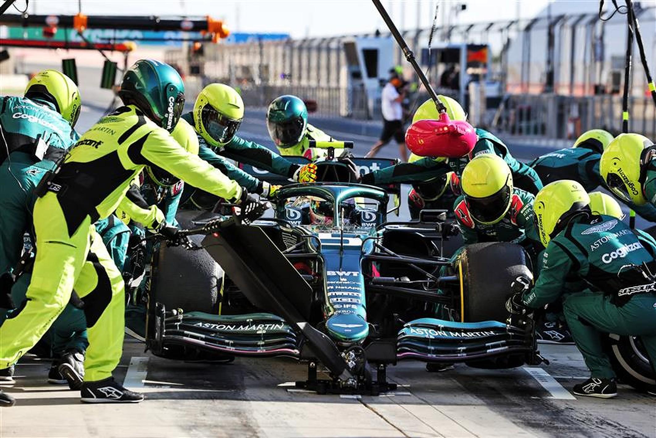 Sebastian Vettel with Aston Martin in 2021 - Formula1news.co.uk
