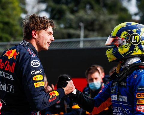 Lando Norris and Max Verstappen at Imola in 2021 - Formula1news.co.uk