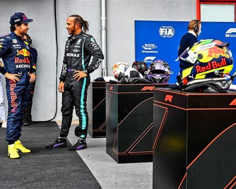 Sergio-Perez-and-Lewis-Hamilton-at-Imola-Formula1news.co.uk.v1